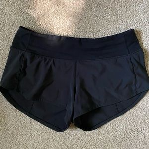 Lululemon Speed Up LR shorts 2.5
